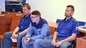 Skautští vedoucí Piškot a Meluzín zneužili 39 dětí: Nejotloukanější mukl chce na svobodu