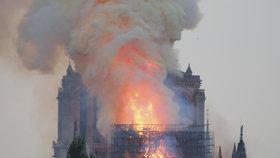 Smutný den pro Francii: Svědci ohnivého pekla v Notre-Damu popsali hrůzný zážitek