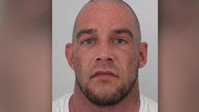 Policie hledá zápasníka MMA Tomáše Penze (34): Měl brutálně zmlátit přítelkyni!