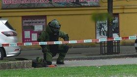 """Podezřelý kufr na """"Jiřáku"""" vyděsil obyvatele: Prozkoumal ho pyrotechnik, bombu nenašel"""