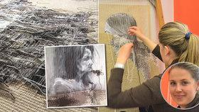 Tisíce hodin i korun: Gabriela tká z vlny gobelíny, svou práci představila na týdnu designu v Praze
