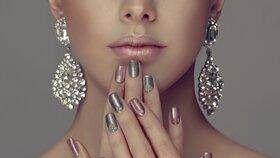 Vraťte lesk svým stříbrným šperkům! Takhle snadno to půjde