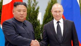Putin a Kim si užili ruský summit. A na recepci byl kaviár, boršč i jelení pelmeně
