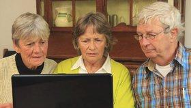 """""""Sdílejte, než to smažou!"""" Seniorům na webu chybí ostražitost, dostali sérii rad"""