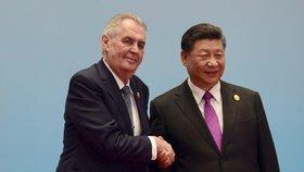 Zeman si volal s čínským prezidentem. Získal poděkování a slíbil, že přijede