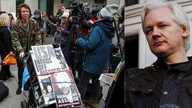 """Přítel Assangea: """"Zdraví se mu rapidně zhoršovalo, bylo to děsivé."""" Vydají ho do USA?"""