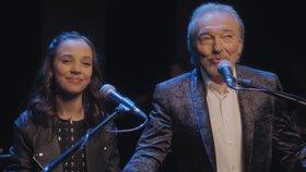Srdce nehasnou od Karla Gotta (†80): Dojemný duet s dcerou Charlotte jako rozloučení