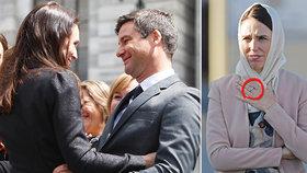 Novozélandská premiérka ukázala zásnubní prsten. Kdy si vezme známého moderátora?