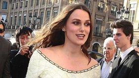 Hvězda Pirátů Keira Knightleyová porodila! A už je zase jako proutek
