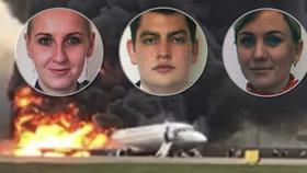 Hrdinové z hořícího letadla: Letušky zachraňovaly cestující, stevard zemřel v plamenech