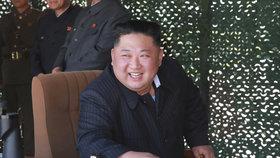 Kim zase zmizel, na veřejnosti nebyl už 12 dní. Američané navíc zpochybnili fotky