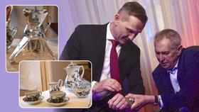 Odhalili Zemanovy dary: Luxusní hodinky, jako dostal Soukup, i český křišťál