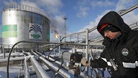 Česko stále čeká na nezávadnou ropu z Ruska. Družba ji dodá zřejmě příští týden