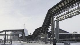 Čistá ropa poteče z Ruska nejdřív za dva měsíce. Škody půjdou do miliard