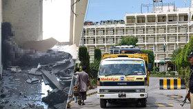 Přestřelka v luxusním hotelu: Zemřeli čtyři zaměstnanci, ozbrojence zastřelili