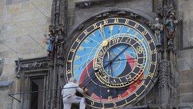 Astroláb na pražském orloji opět přemalovávají: Červená má špatný odstín!