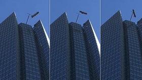 Umývači oken bojovali o život ve výšce 257 metrů: Vítr s nimi mával jako s hračkami!