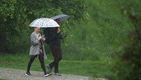 V Česku vydatně pršelo a bude zas, sledujte radar. V akci je tlaková níže Axel