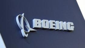 """Boeing 737 MAX měl málo """"proklepnutý"""" stabilizační systém. Může za to regulátor?"""
