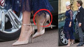 Ošklivé zranění na královské svatbě: Pravdu odhalily princezniny střevíčky!