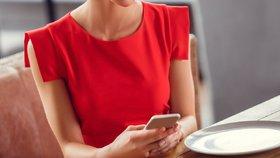 Hledáte lásku přes mobilní aplikace? Tyhle fotky odradí každého!