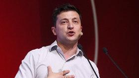 Ukrajině se přiblížily mimořádné volby. Favoritem je Zelenskyj a jeho strana
