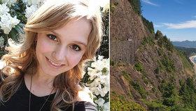 Studentka (†22) se zabila pádem ze 30 metrů. Přítel ji fotil na okraji srázu