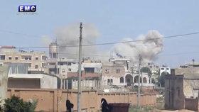 Rusové udeřili v Sýrii zápalnými zbraněmi a pumami. Zemřelo 130 dětí
