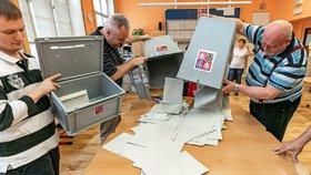 Evropské volby útočí na rekord: Přišlo nejvíce lidí za 20 let, tvrdí odhady