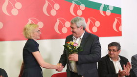 """Filip proti deseti rivalům. O post šéfa komunistů se v listopadu """"popere"""" i Ondráček?"""