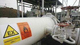 Do Česka už zase proudí čistá ropa. Dodávky stály měsíc, Rusko chystá odškodnění