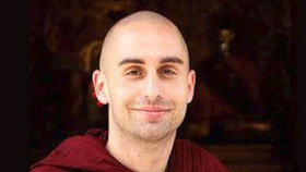 Český mnich Pavesa upadl na Srí Lance do kómatu: Nemůže se vrátit domů