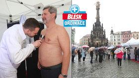 Prevence na náměstí odhalila: 5 rakovin kůže, 15 nemocí plic a 5 skrytých diabetiků! Blesk Ordinace opět pomohla