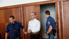 """Samozvaný """"pedokrál"""" si odsedí devět let: Zneužíval holčičky v pražských školkách, jednu si chtěl vzít"""
