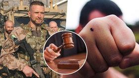 Vojáci hájili čest padlých kamarádů a napadli policistu: Tah žalobkyně nyní překvapil