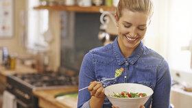 Salát můžete i snídat! Víme, co si do něj dát, abyste zhubli i zlepšili své trávení
