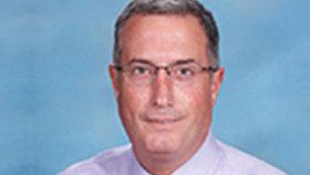 Ředitel katolické školy musel rezignovat: Namol opilý řádil ve strip baru