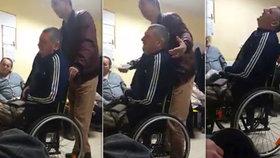 Muž se na chodbě nemocnice svíjel bolestí: Zdravotníci mu vynadali a nechali dál čekat!