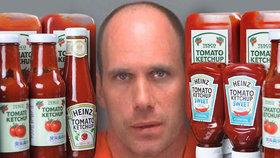 Muž trestal partnerku za údajnou nevěru. Ve spánku na ni lil kečup a hrubě jí nadával