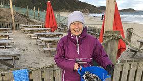 Akční babička uklidila už 52 pláží! Za tuhle zkázu můžeme všichni, říká