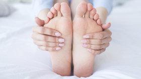 Když vás nohy nenechají spát: Trpíte syndromem neklidných nohou?