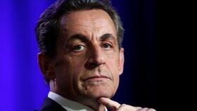 Uplácel soudce? Exprezidenta Sarkozyho ženou k soudu, odhalily ho odposlechy