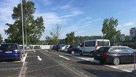 360 míst za 278 milionů: V Praze 13 vznikne nové parkoviště pro místní i dojíždějící