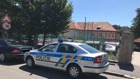 Hrozil střelbou na pražské škole! Autora výhrůžky hledá policie, mimořádné opatření už odvolala
