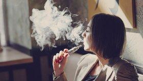 Elektronické cigarety mají šestou oběť! Okamžitě přestaňte, říkají lékaři