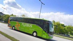 Cesta autobusem do Chorvatska skončila na odpočívadle: Řidič turistům ujel! Domů museli pěšky
