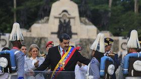 Krizi Venezuely proberou oba vůdci v Karibiku. Madura tu čekají do týdne