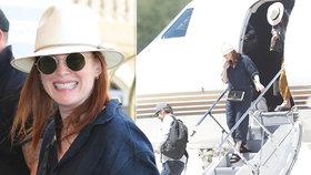 Hlavní hvězda Varů Julianne Mooreová je v Česku! Přiletěla tryskáčem miliardáře Komárka