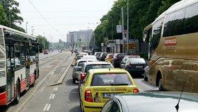 Řidiči, pozor! Omezení na Evropské, opravy po zimní pauze zase začínají