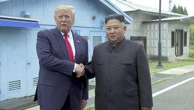 """Trump dostal od Kima """"velmi krásný"""" dopis. Je další summit o odzbrojení na obzoru?"""